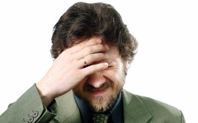 Mal di testa e nausea: I disturbi fisici che causano la cefalea