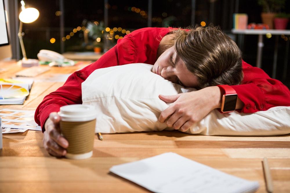 Avere sempre sonno e stanchezza: come si possono evitare?