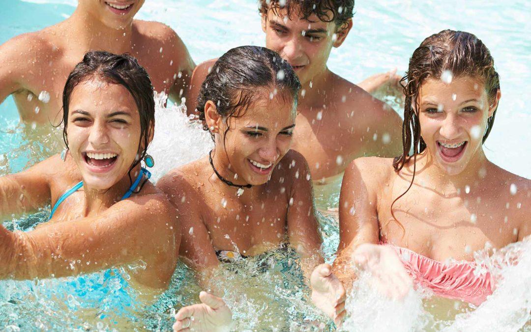 Alcuni consigli utili per indossare le lenti a contatto in piscina
