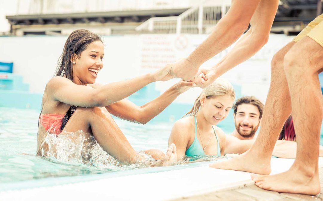 Si possono indossare le lenti a contatto in piscina?