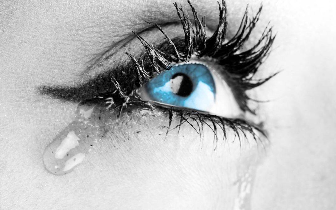 Hai gli occhi che lacrimano spesso? Non sottovalutare il problema