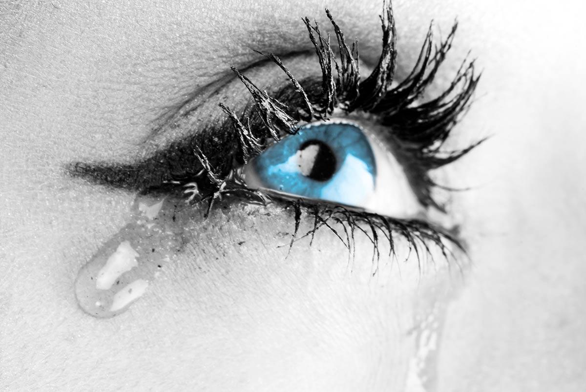 occhi che lacrimano