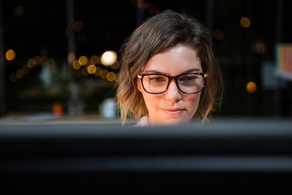 Occhiali protezione luce blu: indispensabili per il lavoro d'ufficio