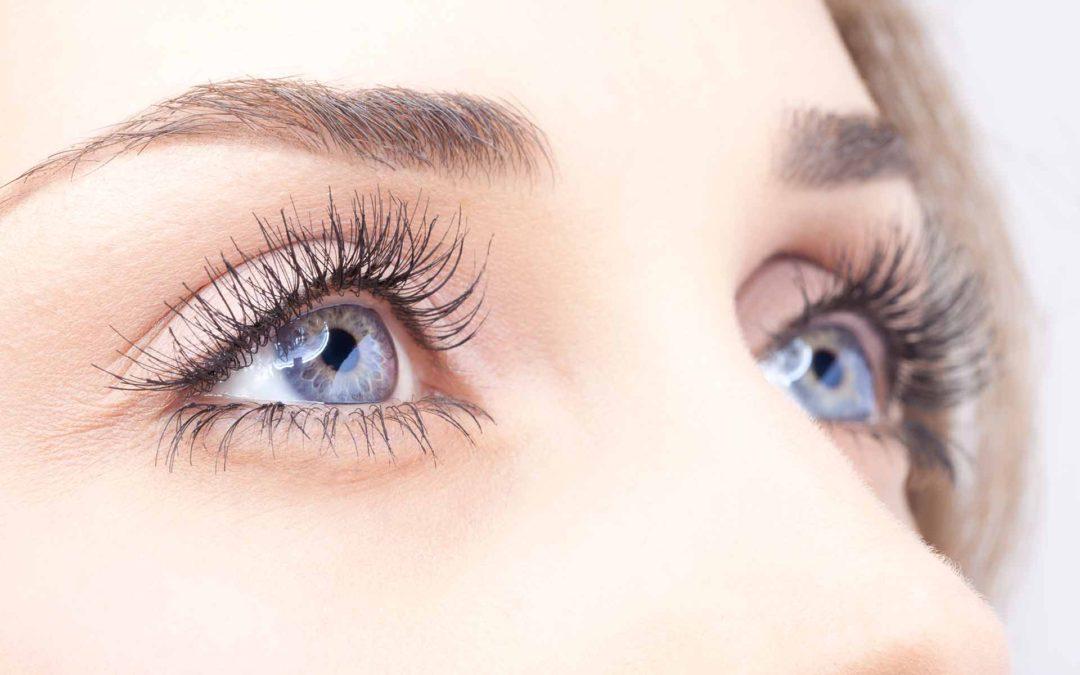 Occhi secchi: cause e soluzioni per ridurre il fastidio agli occhi