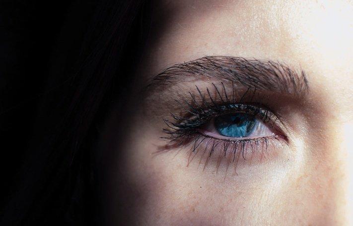 vista annebbiata da un occhio