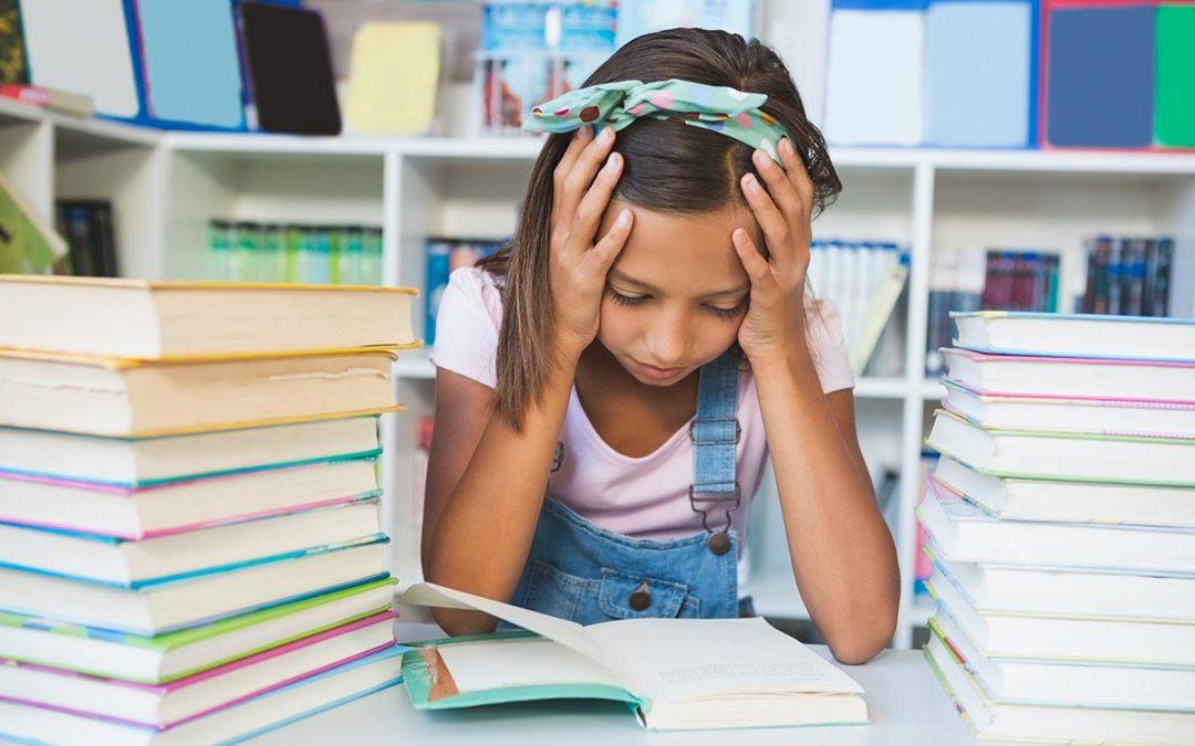 Mal di testa nei bambini durante la scuola: solo un capriccio?